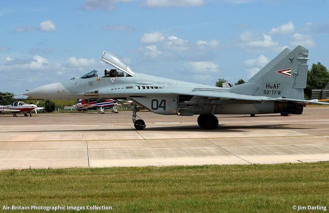 [ẢNH] Hungary bán thanh lý cả phi đội tiêm kích MiG-29 với giá rẻ như cho - Ảnh 9.