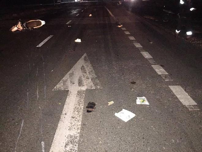 3 thanh niên tử vong khi chạy kẹp 3 tông vào đuôi xe tải đậu bên đường - Ảnh 1.