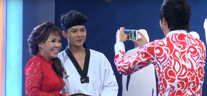 Hot boy khiến Hoài Linh, Việt Hương mê mẩn: Tài giỏi nhưng mặc cảm nhà nghèo, chia tay con gái đại gia - Ảnh 1.