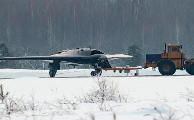 Hé lộ hình ảnh máy bay cường kích không người lái bí mật của Nga