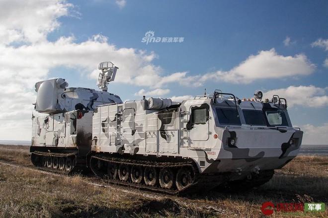 Quái thú Tor-M2DT của Hạm đội Phương Bắc Nga thị uy tại Bắc Cực - Ảnh 10.
