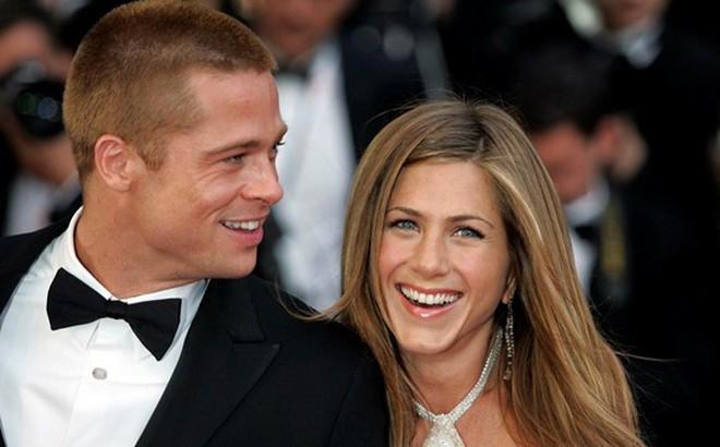 Brad Pitt đã liên lạc lại với Jennifer Aniston từ khi nào và lý do là gì?