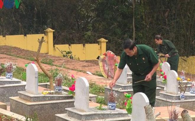 Dâng hương tưởng niệm các liệt sỹ bảo vệ biên giới phía Bắc