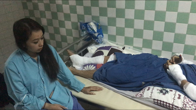 Thông tin mới nhất vụ Việt kiều về quê ăn tết bị tạt axit, cắt gân chân - Ảnh 1.