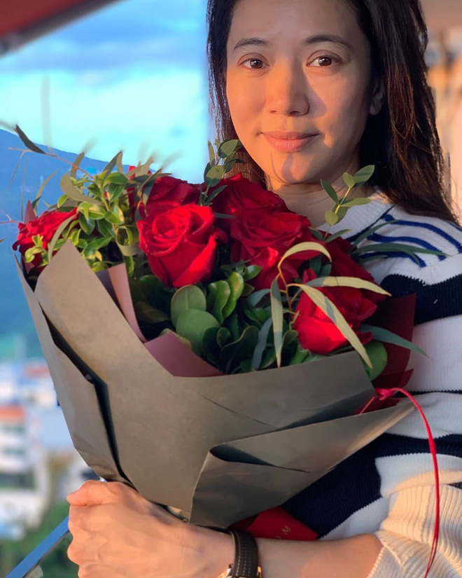 Cưới 18 năm vẫn ngọt ngào như thuở ban đầu, Trương Trí Lâm - Viên Vịnh Nghi khiến dân tình ghen tị vì quá mùi mẫn - Ảnh 1.
