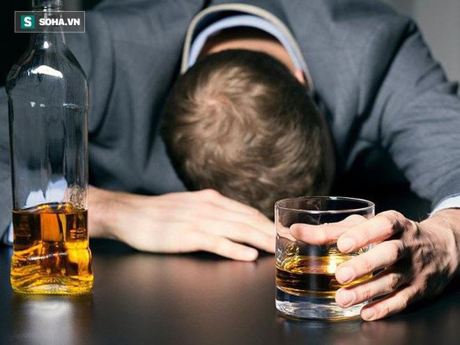 2 sai lầm khi giải rượu và 2 cách giảm nhẹ tác hại: Người uống rượu nên biết điều này sớm - Ảnh 2.