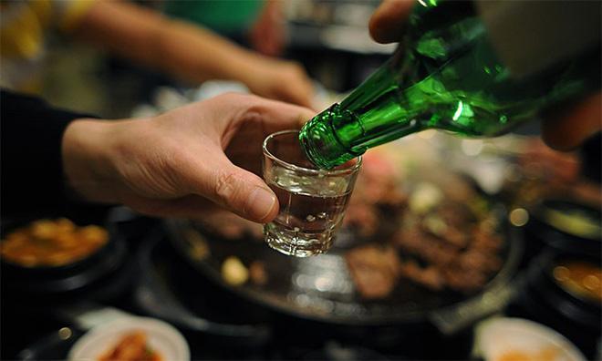 2 sai lầm khi giải rượu và 2 cách giảm nhẹ tác hại: Người uống rượu nên biết điều này sớm - Ảnh 3.