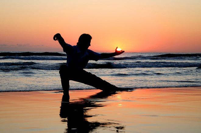 Quy tắc động – tĩnh: Bí quyết dưỡng sinh kỳ diệu thời cổ xưa đang thành trào lưu mới - Ảnh 2.