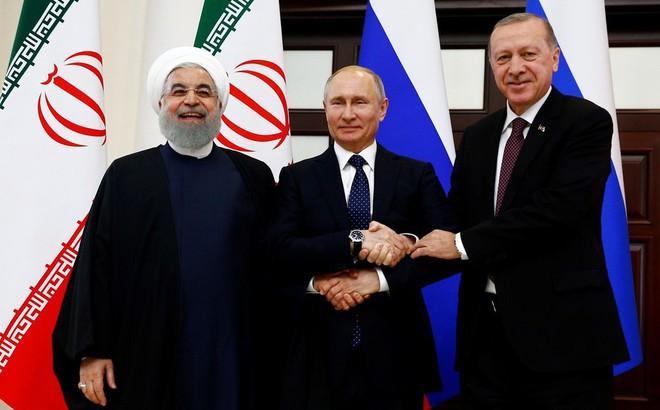 """Bộ ba Nga-Iran-Thổ Nhĩ Kỳ tính chuyện """"chia phần"""" sau khi Mỹ rút quân khỏi Syria"""