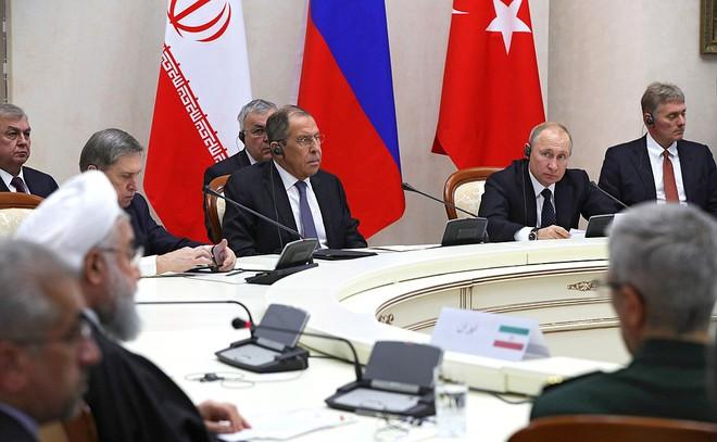 Bộ ba Nga-Iran-Thổ Nhĩ Kỳ tính chuyện chia phần sau khi Mỹ rút quân khỏi Syria - Ảnh 1.