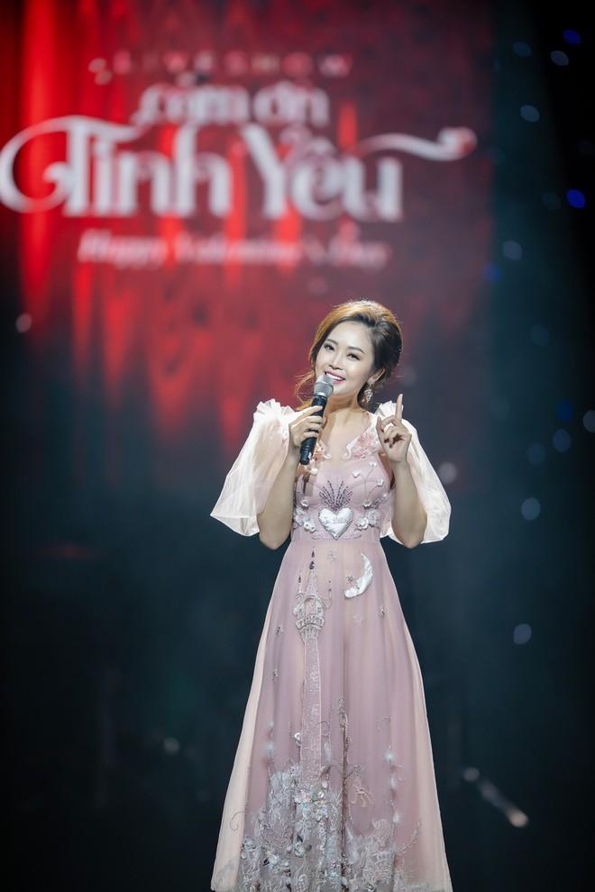 MC Thùy Linh xinh đẹp nhưng 32 tuổi vẫn than ế - Ảnh 4.