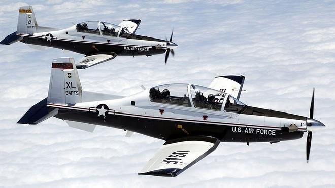 Đô đốc Hoa Kỳ: Việt Nam đã đặt mua máy bay huấn luyện và tàu hiện đại của Mỹ - Ảnh 1.