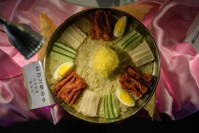 """Ảnh: Cuộc thi nấu ăn tìm kiếm """"siêu đầu bếp"""" ở Triều Tiên - Ảnh 2."""