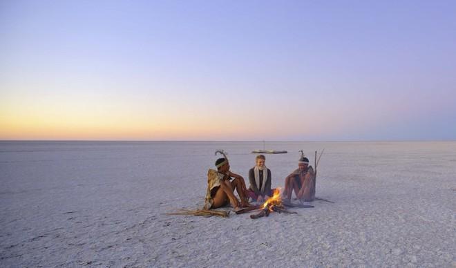 Choáng với sự sống đẹp huy hoàng tại chảo muối được mệnh danh là Vùng đất chết - Ảnh 4.
