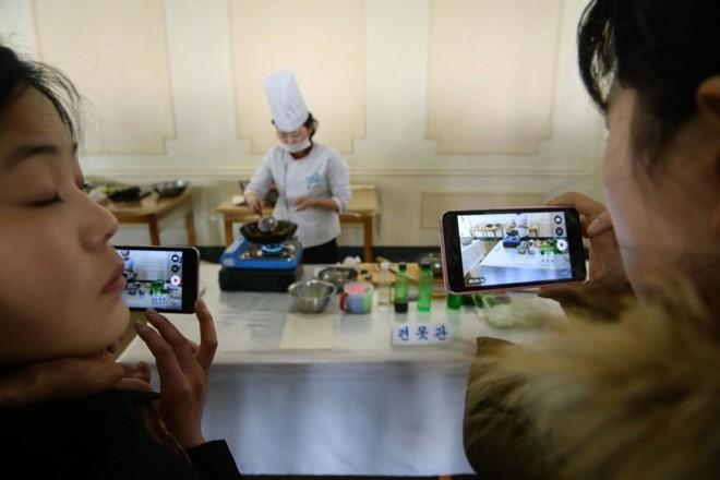 """Ảnh: Cuộc thi nấu ăn tìm kiếm """"siêu đầu bếp"""" ở Triều Tiên - Ảnh 7."""