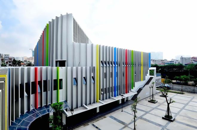 Ngôi trường đầy màu sắc có lối kiến trúc độc đáo bậc nhất Việt Nam - Ảnh 7.