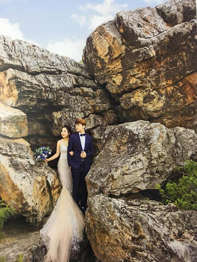 Album cưới trao tay, cô dâu Hải Phòng rùng mình phát hiện dấu vết của người lạ chiếm trọn spotlight bộ ảnh để đời của mình - Ảnh 2.