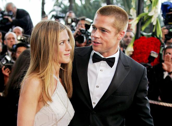 Không chỉ nối lại quan hệ, Brad Pitt và Jennifer Aniston giờ còn tình đến mức rủ nhau đi trốn sau tiệc sinh nhật? - Ảnh 2.