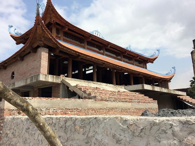 Cận cảnh 4 lớp an ninh nghiêm ngặt bảo vệ cụ sưa trăm tỉ ở Hà Nội - Ảnh 7.