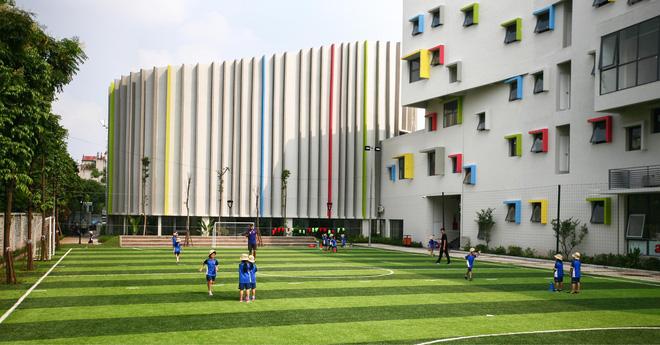 Ngôi trường đầy màu sắc có lối kiến trúc độc đáo bậc nhất Việt Nam - Ảnh 8.