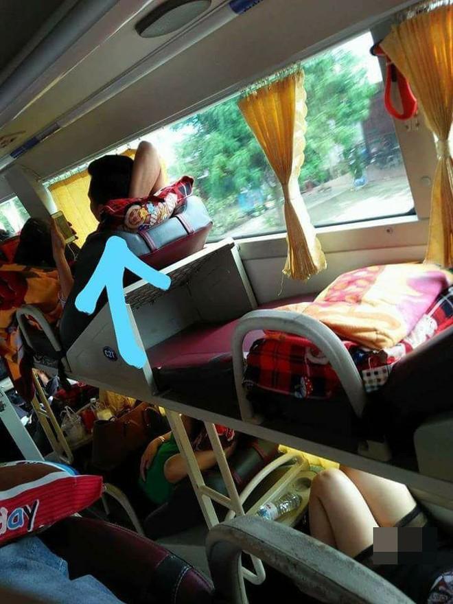 Những hình ảnh hớ hênh, nhức mắt trên các chuyến xe về quê ăn Tết khiến dân mạng ngao ngán - Ảnh 3.