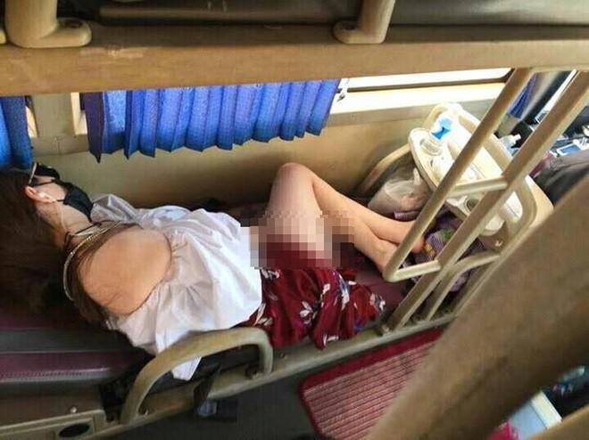 Những hình ảnh hớ hênh, nhức mắt trên các chuyến xe về quê ăn Tết khiến dân mạng ngao ngán - Ảnh 7.