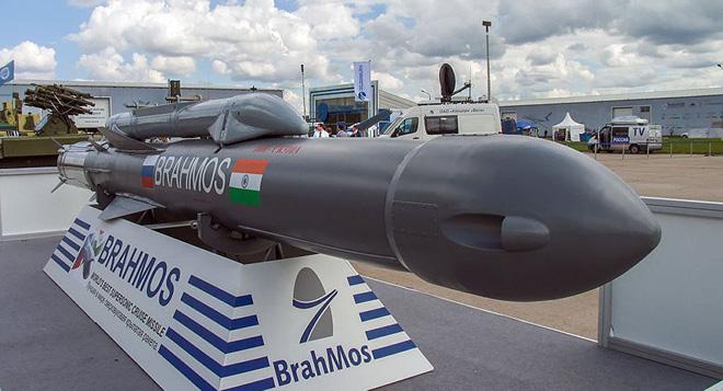Cải tiến vượt bậc: Su-30MKI Ấn Độ như hổ mọc thêm cánh với tên lửa BrahMos mới - Ảnh 1.