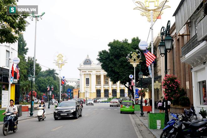 Đường phố Hà Nội trang hoàng chào đón hội nghị thượng đỉnh Mỹ - Triều - Ảnh 8.