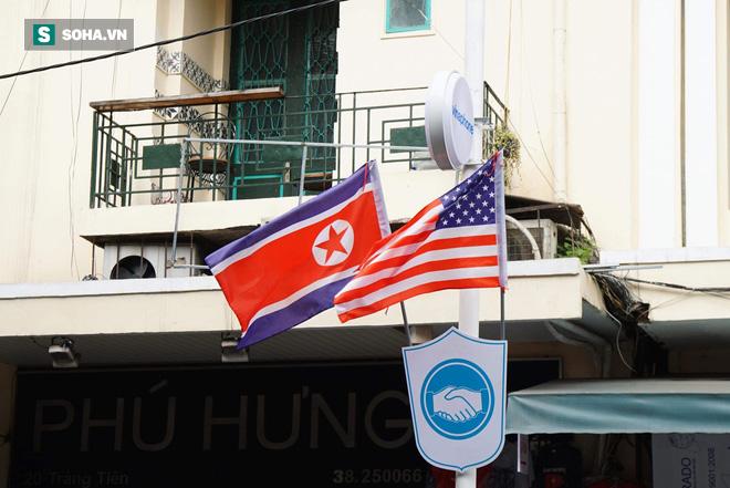 Đường phố Hà Nội trang hoàng chào đón hội nghị thượng đỉnh Mỹ - Triều - Ảnh 10.