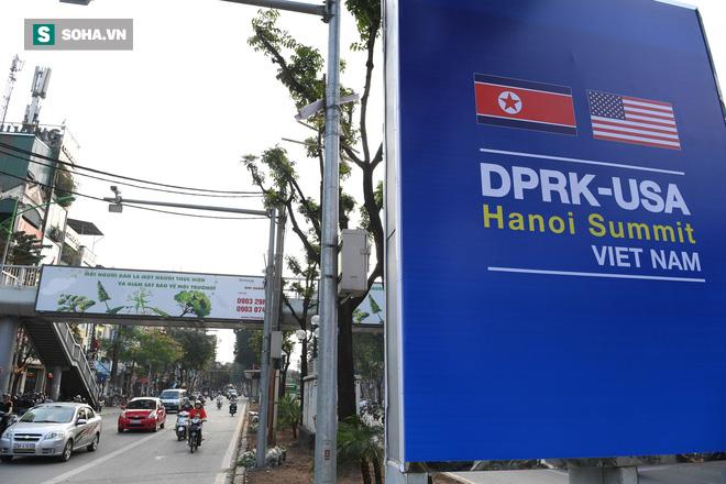 Đường phố Hà Nội trang hoàng chào đón hội nghị thượng đỉnh Mỹ - Triều - Ảnh 12.
