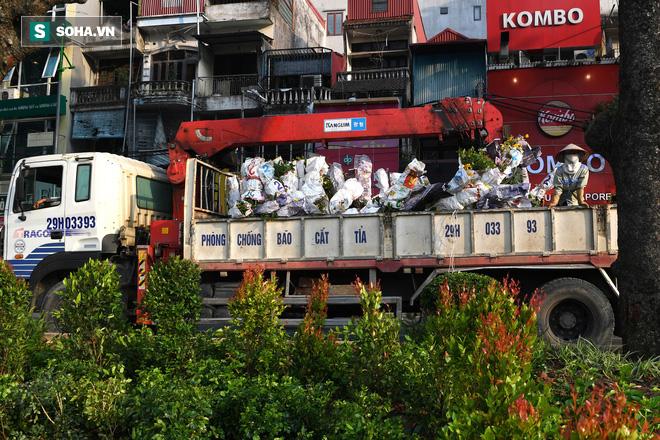 Đường phố Hà Nội trang hoàng chào đón hội nghị thượng đỉnh Mỹ - Triều - Ảnh 3.