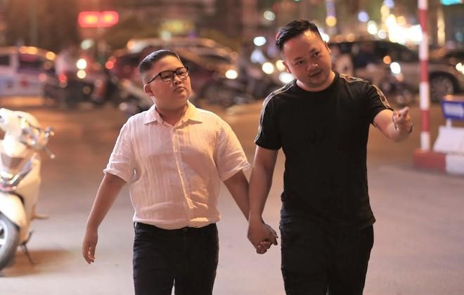 Nổi tiếng sau một đêm vì quá giống ông Kim Jong Un, cậu bé Việt lên báo ngoại, được mời chụp ảnh quảng cáo - Ảnh 2.