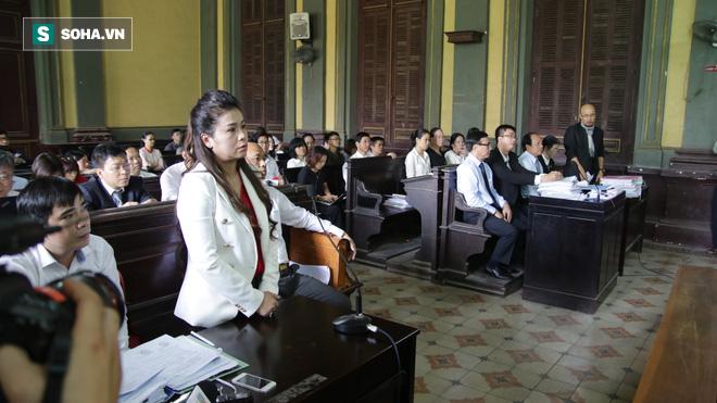 Luật sư của bà Lê Hoàng Diệp Thảo ngâm thơ tại tòa - Ảnh 2.