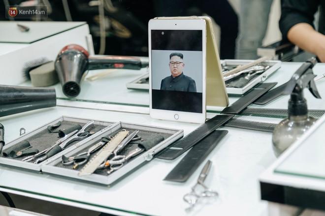 Người Hà Nội rủ nhau đi cắt miễn phí kiểu tóc giống Tổng thống Donald Trump và nhà lãnh đạo Kim Jong-un - Ảnh 4.