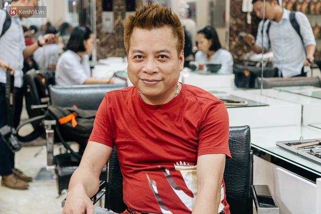Người Hà Nội rủ nhau đi cắt miễn phí kiểu tóc giống Tổng thống Donald Trump và nhà lãnh đạo Kim Jong-un - Ảnh 7.