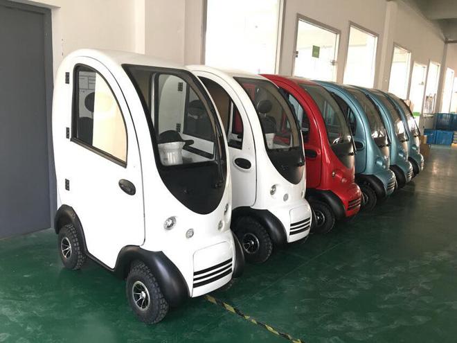 Có gì trong chiếc ô tô điện đang được chào bán tại Việt Nam với giá 40 triệu đồng? - Ảnh 1.