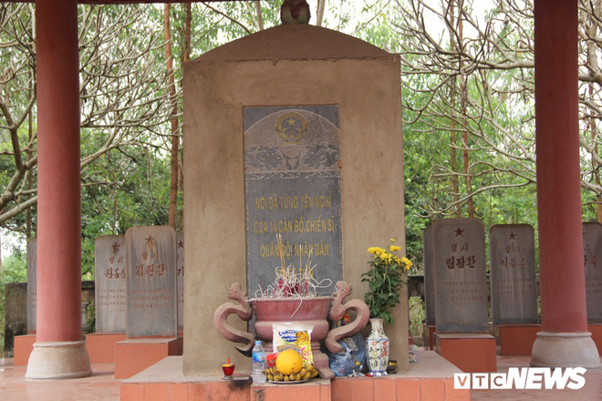 Ảnh: Người thương binh hơn 20 năm cặm cụi chăm sóc khu tưởng niệm liệt sĩ Triều Tiên ở Bắc Giang - Ảnh 1.