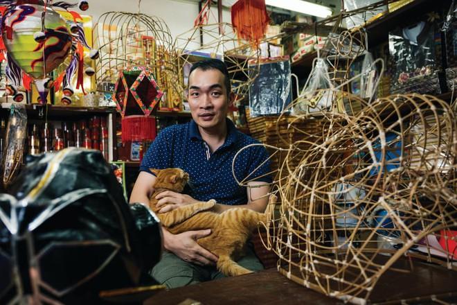 Những căn tiệm muôn năm cũ xứ Hương Cảng có làm bạn nhớ về một thời miệt mài luyện phim bộ TVB? - Ảnh 1.