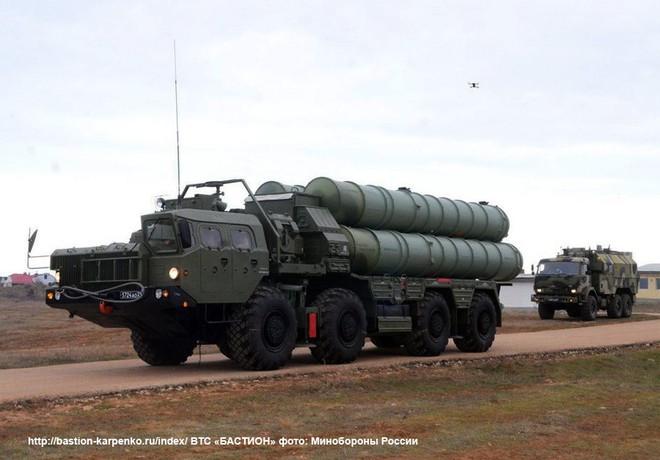 TASS - CNBC: Việt Nam đang đàm phán hợp đồng tên lửa S-400 của Nga? - Ảnh 1.