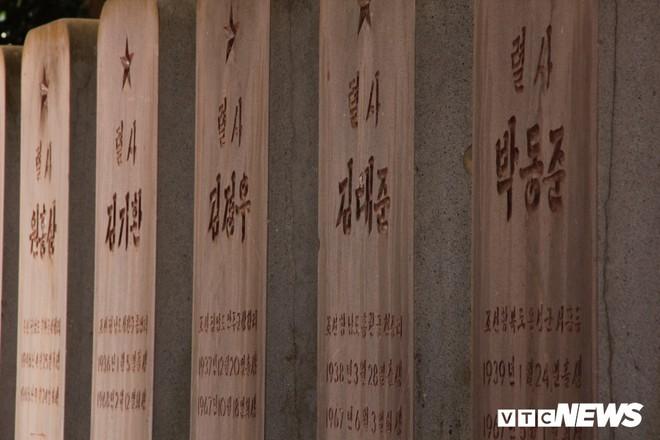 Ảnh: Người thương binh hơn 20 năm cặm cụi chăm sóc khu tưởng niệm liệt sĩ Triều Tiên ở Bắc Giang - Ảnh 9.