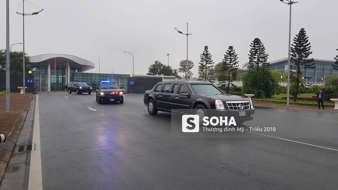 [ẢNH] Siêu xe The Beast của TT Trump cùng dàn xe đặc chủng hầm hố trên đường phố Hà Nội - Ảnh 3.