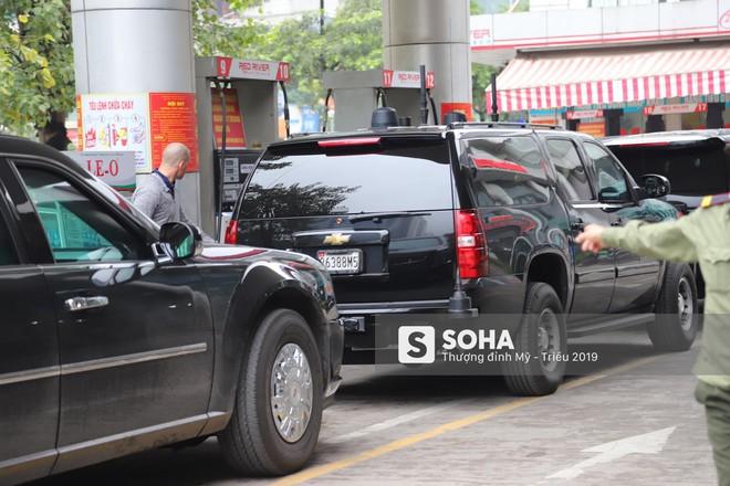 [ẢNH] Siêu xe The Beast của TT Trump cùng dàn xe đặc chủng hầm hố trên đường phố Hà Nội - Ảnh 16.