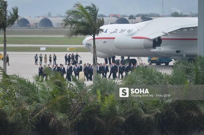 NÓNG: Lực lượng mật vụ tinh nhuệ của ông Kim Jong-un đổ bộ hùng hậu xuống Hà Nội - Ảnh 2.