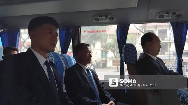 NÓNG: Lực lượng mật vụ tinh nhuệ của ông Kim Jong-un đổ bộ hùng hậu xuống Hà Nội - Ảnh 12.