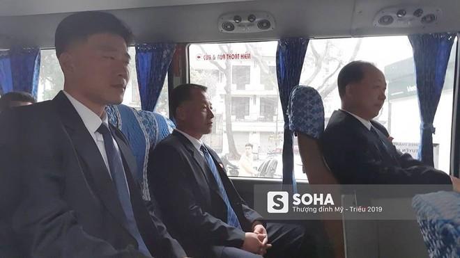 NÓNG: Lực lượng mật vụ tinh nhuệ của ông Kim Jong-un đổ bộ hùng hậu xuống Hà Nội - Ảnh 13.