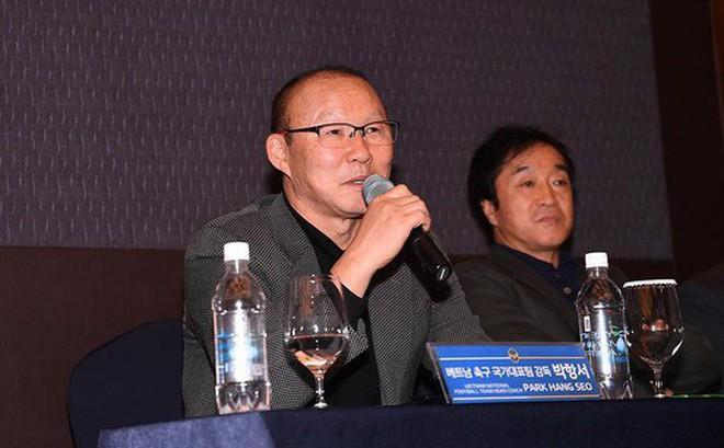 Tìm trợ lý giỏi cho tân HLV U22 Việt Nam: Đầu tiên là người phiên dịch