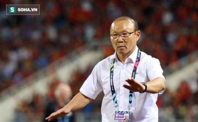 """HLV Park Hang-seo bối rối: """"Tôi không muốn trốn tránh SEA Games"""""""