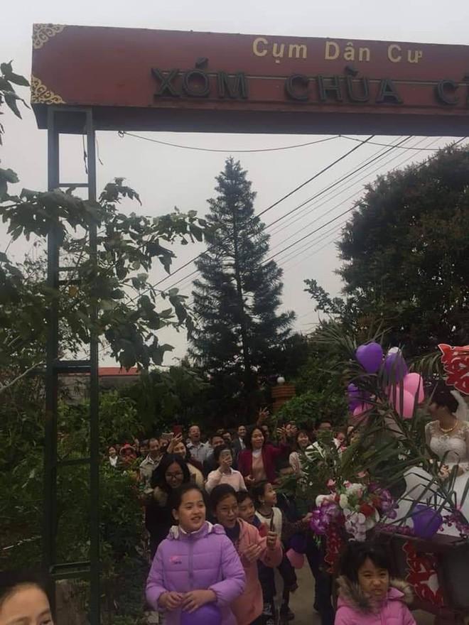 Người đàn ông tự tay kéo xe bò, rước vợ về nhà trong đám cưới khiến dân mạng tấm tắc khen - Ảnh 5.