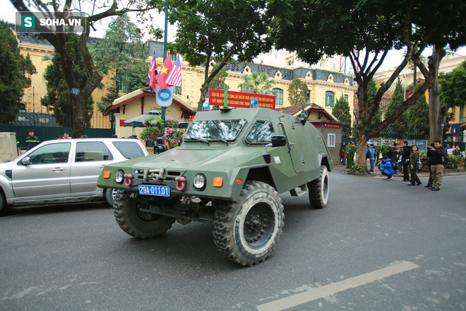 Công an Hà Nội triển khai xe bọc thép, Hummer chống đạn bảo vệ thượng đỉnh Mỹ - Triều - Ảnh 9.