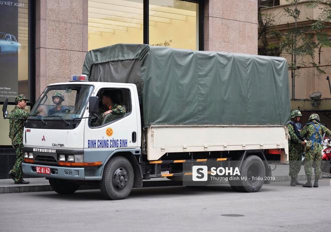 [Ảnh] 3 chú khuyển đặc biệt kiểm tra khách sạn Melia trước ngày Chủ tịch Kim Jong-Un đến Việt Nam - Ảnh 16.